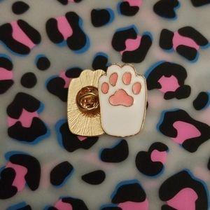 Accessories - Kitty paw print enamel pin